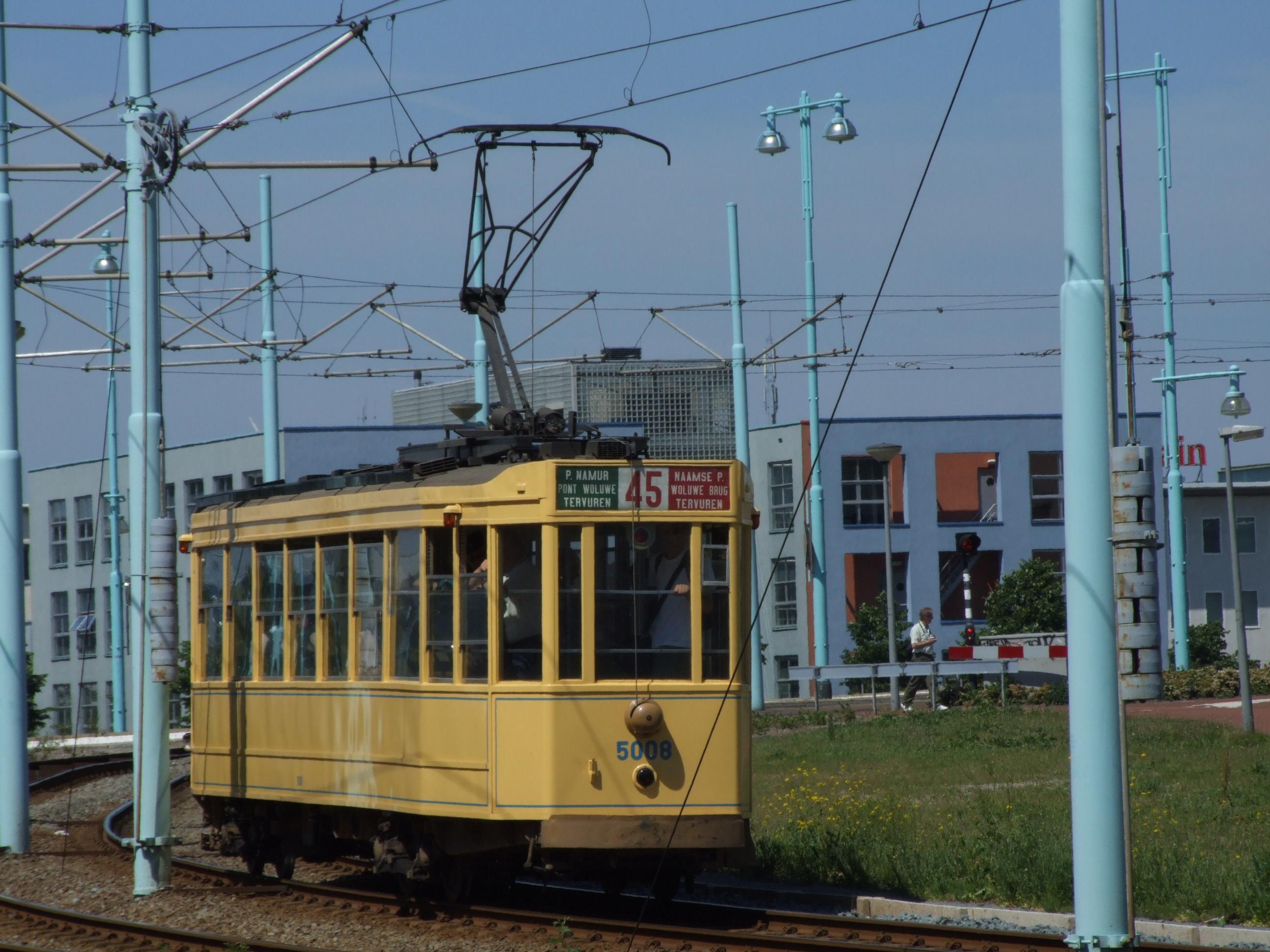 24: Rotterdam Tram 522 with trailor 1022 at Radarweg.