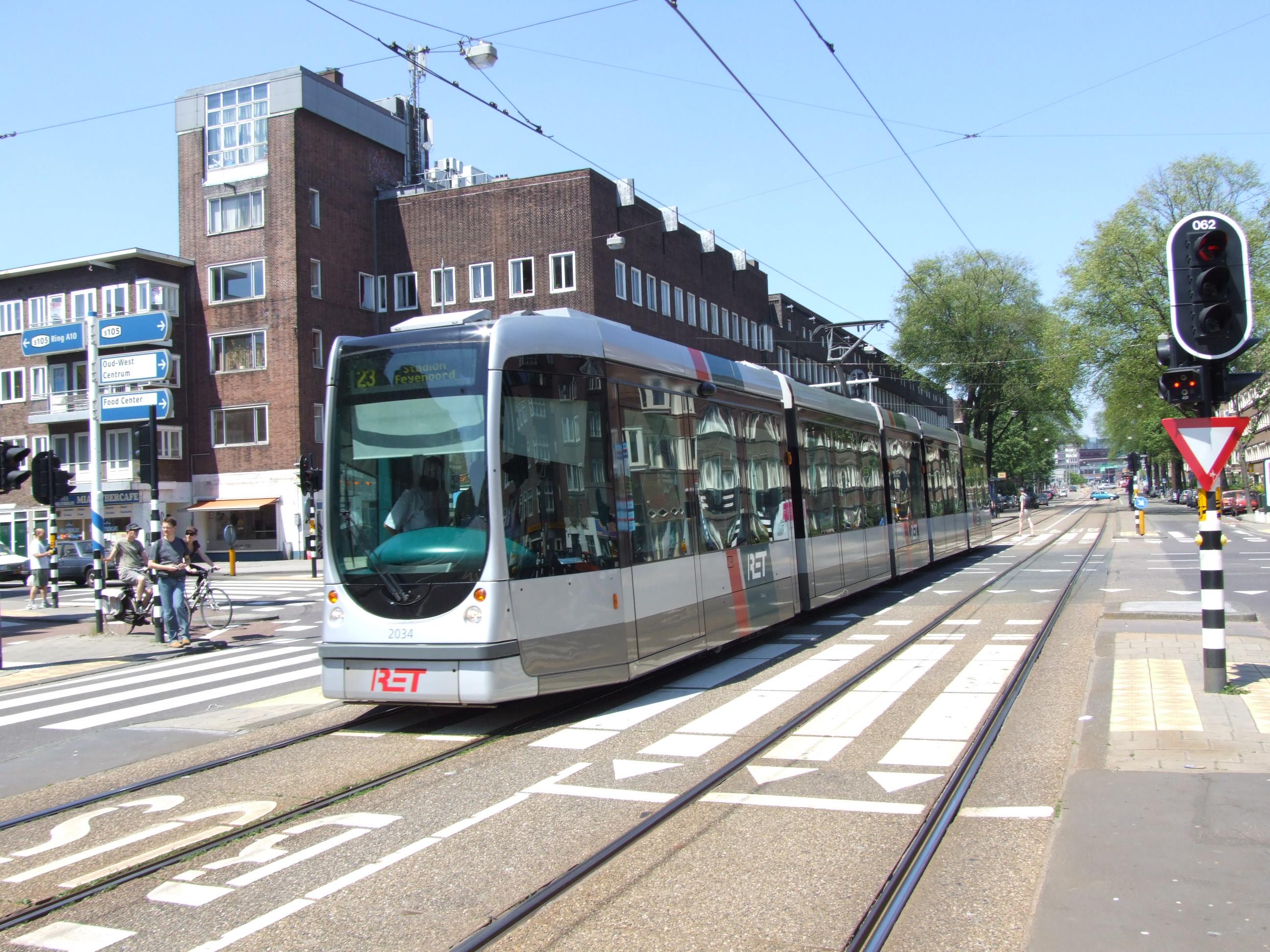 Brüssel Tram 5008.
